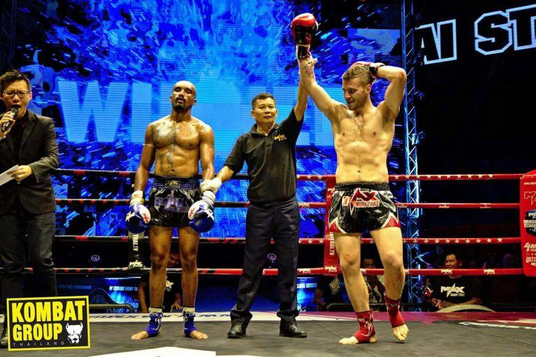 Grande Vittoria in Thailandia per Matteo Calzetta!